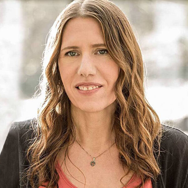 Author, Activist, and Interviewer Marianne Schnall - Leading on Purpose